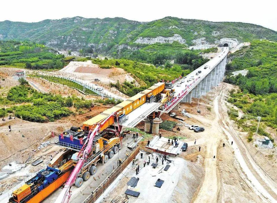太焦高铁全线桥梁架设完成图片