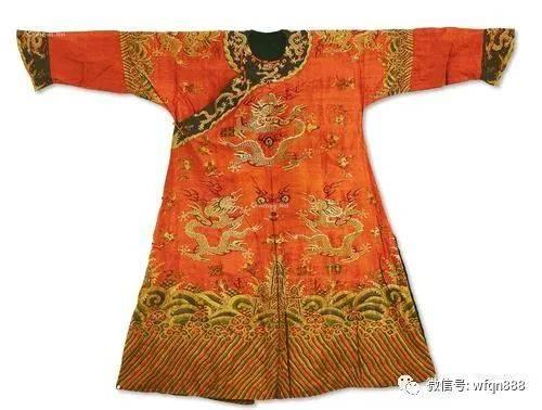 原创            为准备登基典礼,溥仪拿出珍藏20年的龙袍,却被日本人泼一头冷水