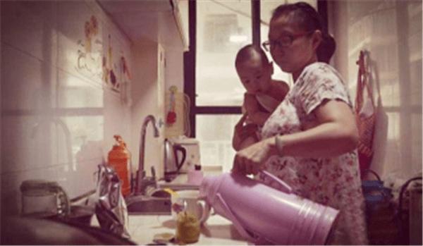 二胎妈妈的真实经历:45岁拼二胎不算什么,这一点才重要