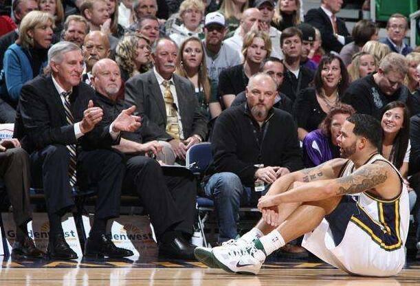 德隆哀悼斯隆引发球迷热议!若他当年没与恩师闹翻或仍在NBA打球