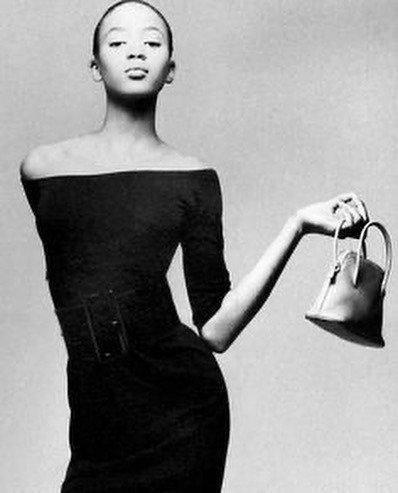 原创             黑珍珠娜奥米坎贝尔50岁了,依然嫁不去?女人的成功不用男人衡量