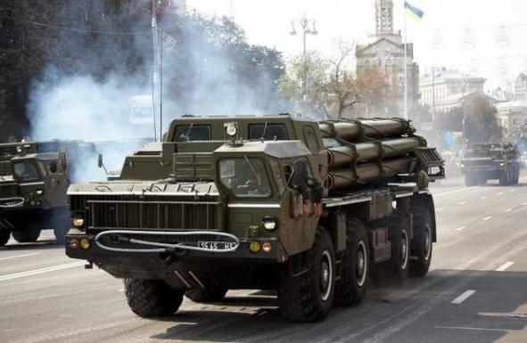反美先锋这次动真格了,大批火箭炮进入战备,部署地点令美军忌惮