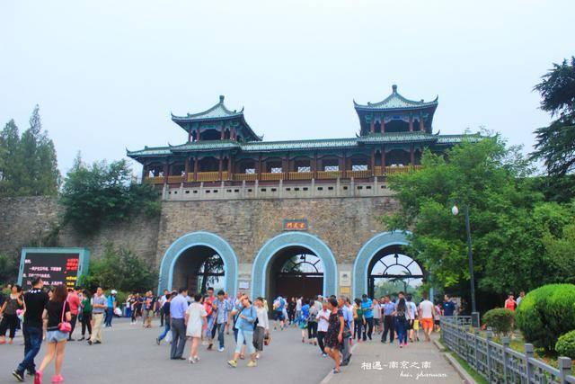 """中国古城墙的价值,不止是军事防御,竟挖掘出""""城摞城""""的历史"""
