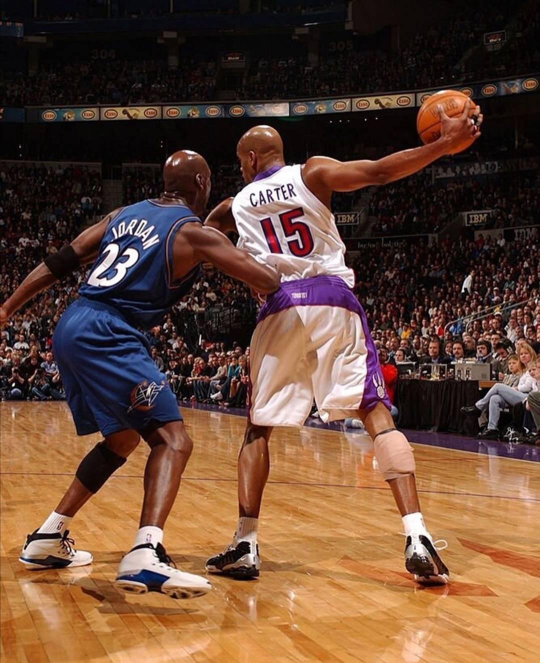,NBA官方终于确定了复赛的日期和形式,7月31日在奥兰多迪士尼重启常规赛。