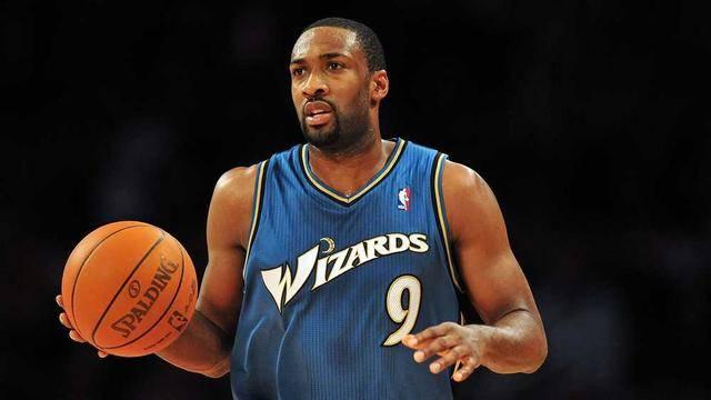 <strong>NBA两大MVP难分高下!为何没有季后赛</strong>