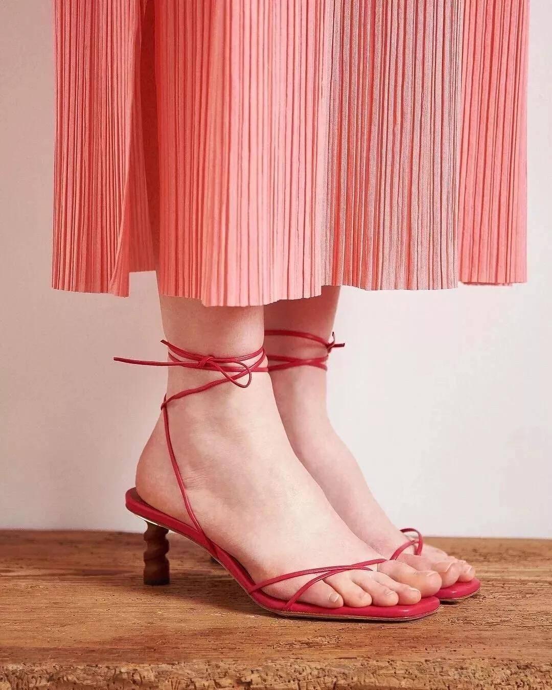 女人衣橱里必备的高跟鞋,你拥有几双?图片