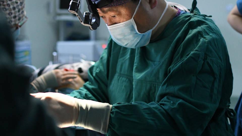 糖尿病患者可以做抽脂减肥或脂肪移植填充的手术吗?