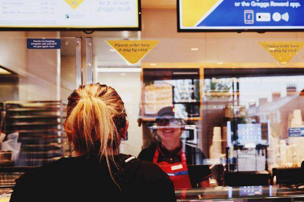 原创             英国回归新常态,酒吧餐馆和酒店将从7月4日重新开放,新规公布