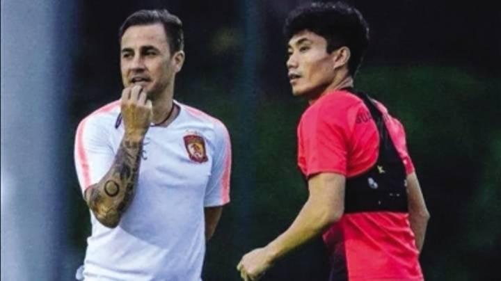 开启足球生涯新旅程,广州恒大为郑智接班卡纳瓦罗铺路