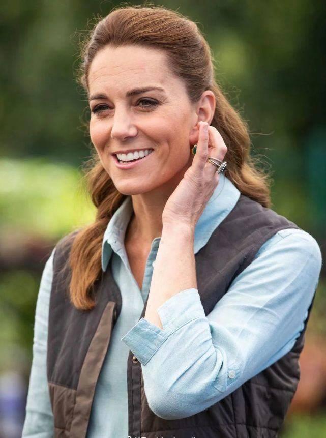 凯特王妃久违露面!才38岁面容就略显老气,脸部皱纹明显太沧桑 减肥窍门 第1张