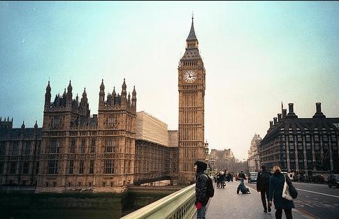 英国留学:如何从职业发展角度选择专业?
