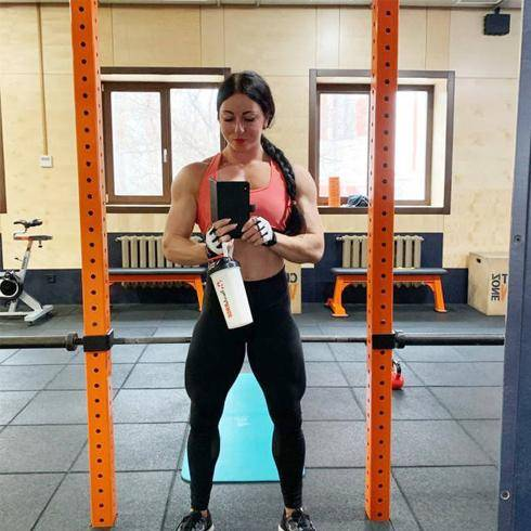 体重69公斤的肌肉妹子,肌肉质感完美,出场便秒杀大部分男人 减肥方法 第1张