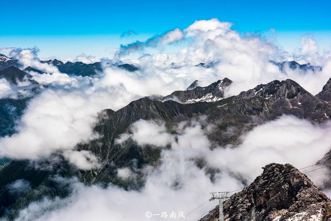 原创四川最美的避暑地,夏天要穿羽绒服,日均最低温只有三度