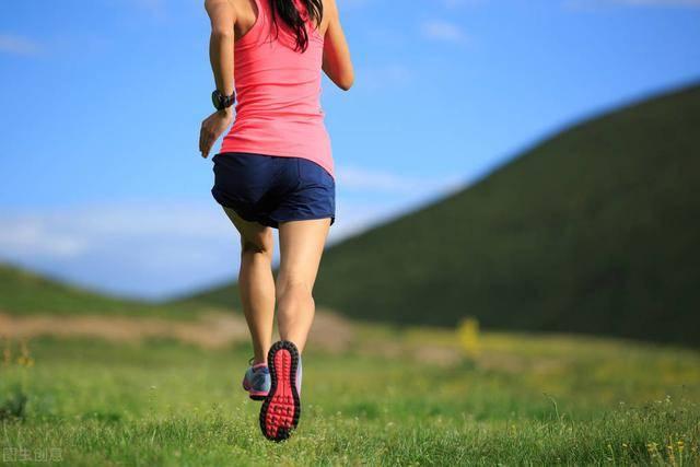 减肥的人,应该选择变速跑,还是慢跑?哪种减脂效果最佳? 减肥误区 第6张