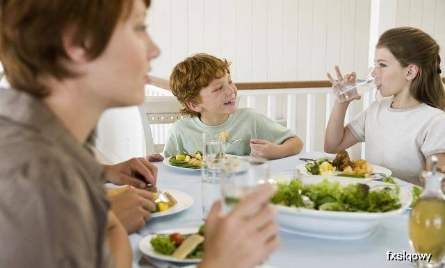 """原创减肥达人的暴瘦秘诀:坚持""""吃饭2要,饭后2不要"""""""