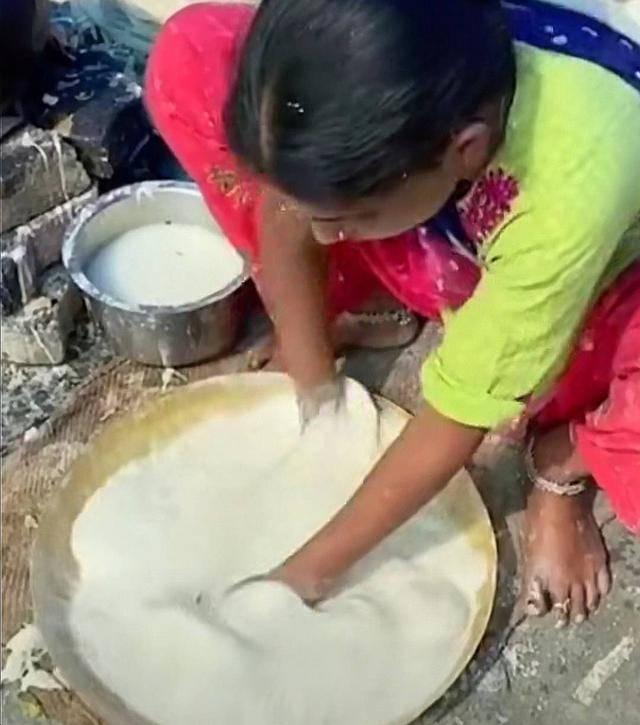 看了印度的街头美食,想不佩服都很难,网友说看完实在是受不了 增肌食谱 第14张