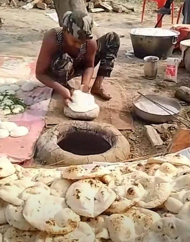 看了印度的街头美食,想不佩服都很难,网友说看完实在是受不了 增肌食谱 第11张