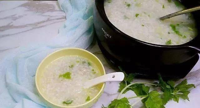 原创产后坐月子,这2道月子餐做法简单,具有催乳下奶,美容养颜的功效!