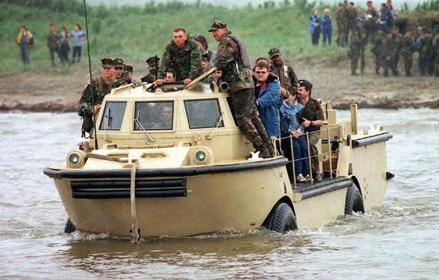 美容呆萌的水陆两栖战车在越战中引起轰
