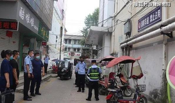 """南阳市消防救援支队""""疏堵结合""""拒绝电动车""""进楼入户"""""""
