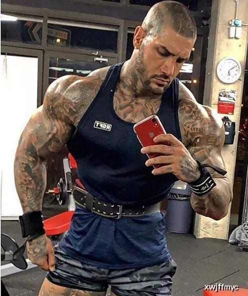 健身猛男承认使用类固醇,但90%都是靠天赋和努力