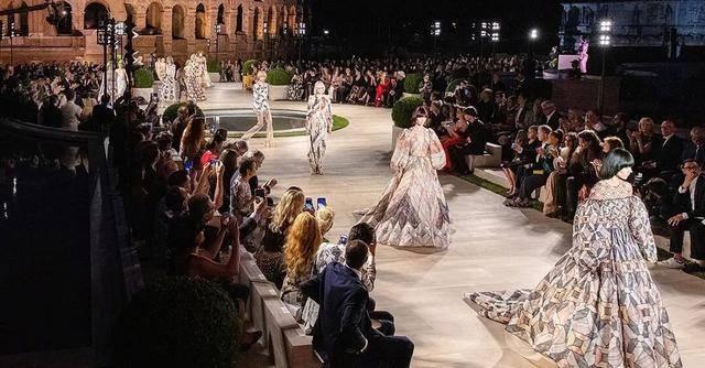原创             创造营2020成团,2021春夏巴黎时装周成为今年首个实体时装周