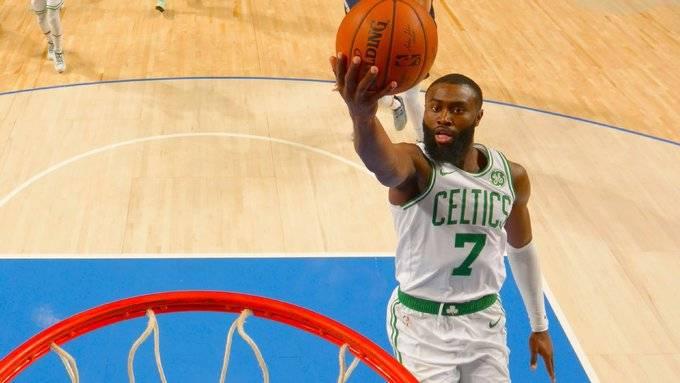 球员不满NBA限定球衣标语清单 布朗:我非常失望