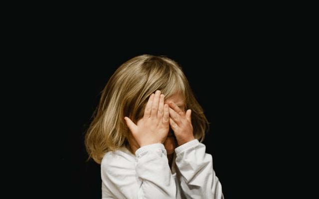 """原创""""全方位""""抚养孩子,不能一""""托""""完事,养儿育女是父母的责任"""