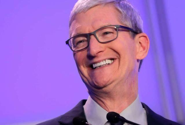 """此外,""""苹果也在努力实现全无线设备体"""