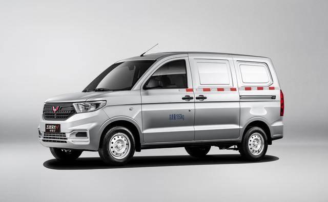 原新闻|五菱洪光V 1.2L车型装载量4,300 L,价格从42900元起