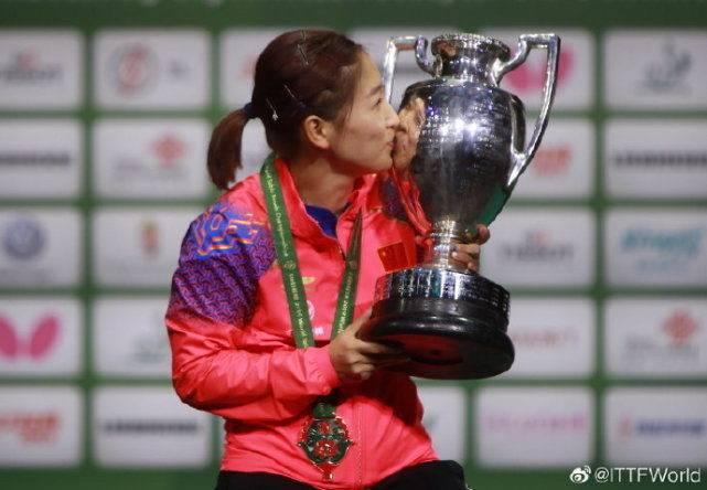 经典与遗憾!刘诗雯轰2个11-0夺冠,浪费2赛点2-3遭伊藤美诚逆转_中国乒乓球队
