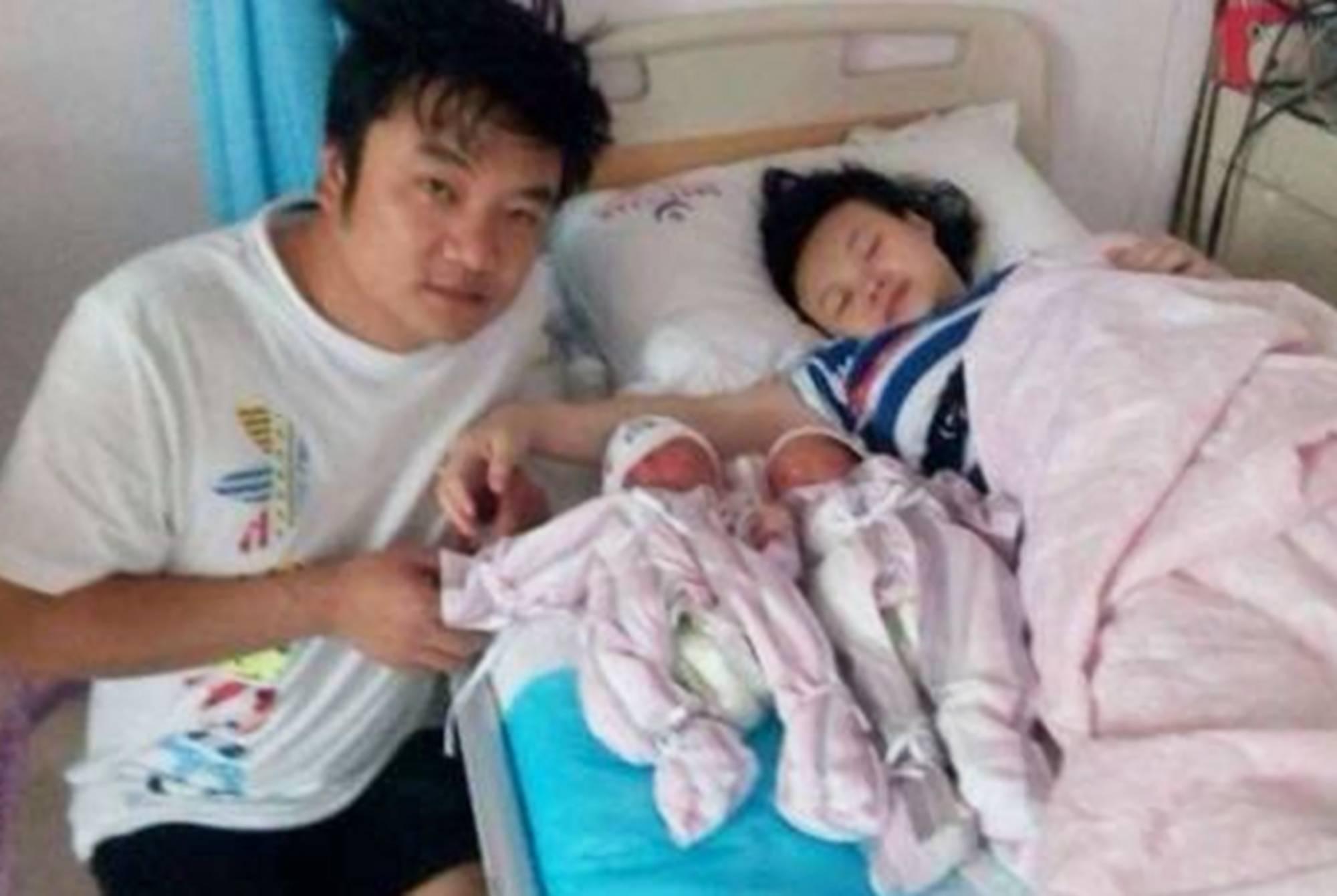 """双胞胎孕妈终于""""扳回一城"""":脐带绕颈概率低,单胎孕妈羡慕不来"""