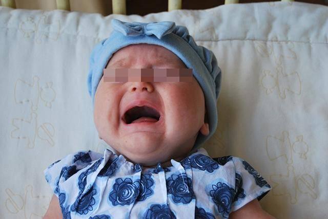 原创当宝宝出现这3种症状时,说明他身体不舒服了,新手爸妈别大意