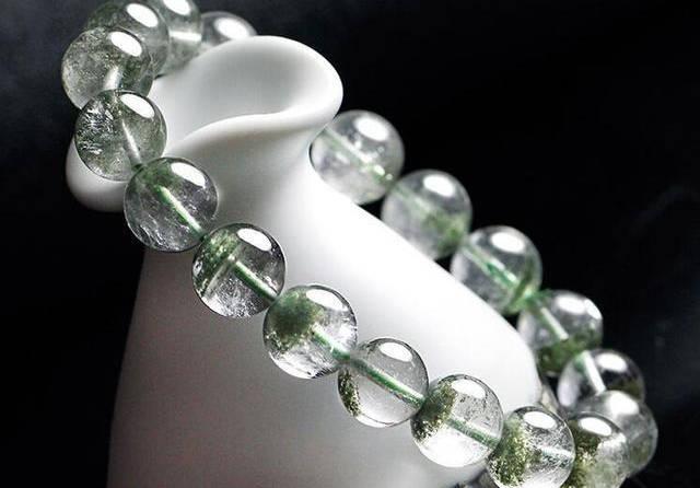 《绿幽灵水晶有哪些寓意,绿幽灵又有哪些作用》