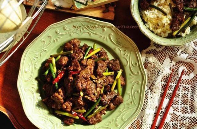 孜然炒羊肉的做法:干杏鲍菇,辣干虾,