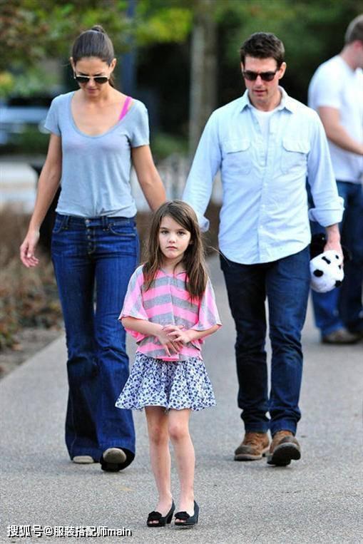 原创             阿汤哥女儿越长越美!简约私服走出超模范,大长腿遗传妈妈好基因
