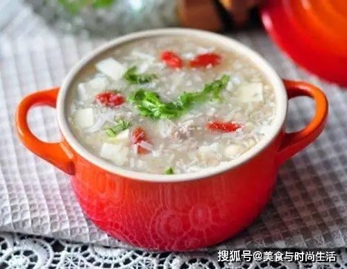 这是家庭主妇超爱做的快手汤,不用慢炖也好喝,味道香浓
