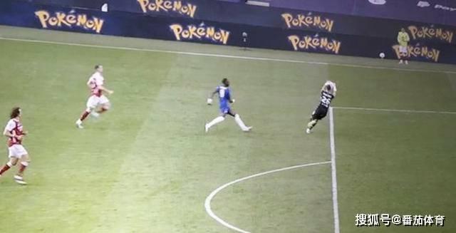 原创             「英格兰足总杯」禁区边缘触球引争议 阿森纳门将圆梦落泪