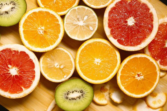 孕妇补充维生素吃什么好?试试这些水果和孕妇多种维生素片