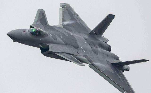 谁说歼20不能对地攻击?北斗服役后,歼20可使用国产精确制导炸弹