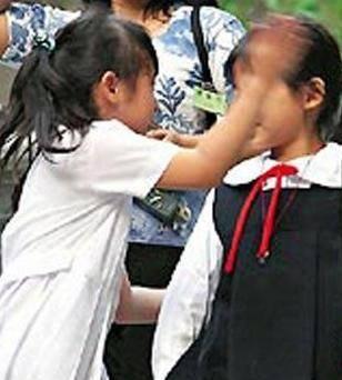 原创李宗盛女儿:6岁打同学耳光,13岁成