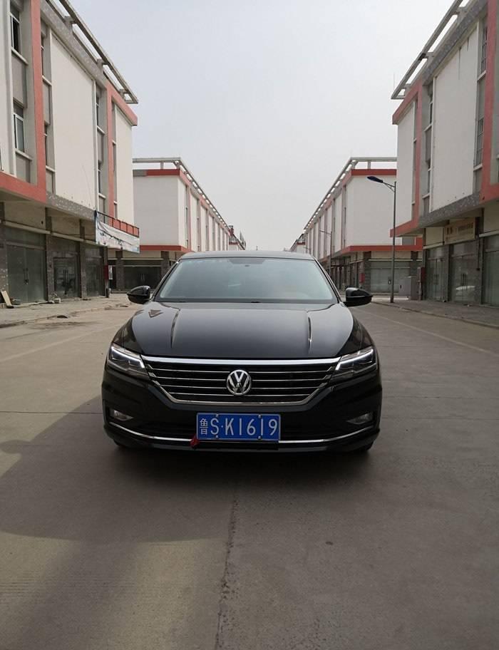 在原厂A级车上,更好,外观时尚,内饰舒适。油耗只有每100公里5.5L左右