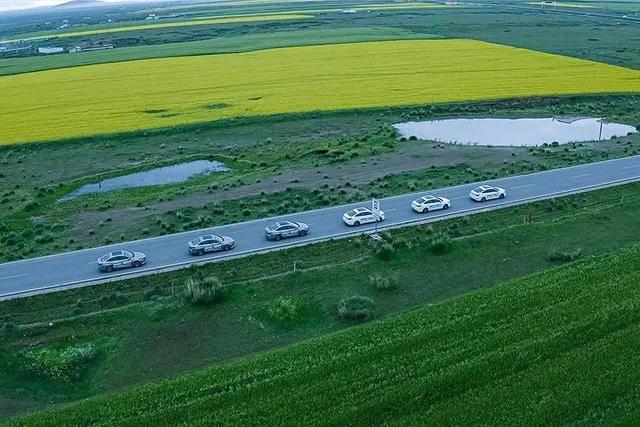 环青海湖试驾长安亿东电子生活,驾驶品质最令人惊讶