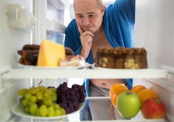 """冰箱里4种被当宝的食物,或都是""""毒素""""的安乐窝,还是衰老的加速器"""