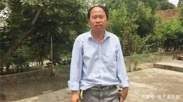 """原创54岁的北大博士沦为""""低保户"""",曾是全村骄傲,女友:他眼高手低"""