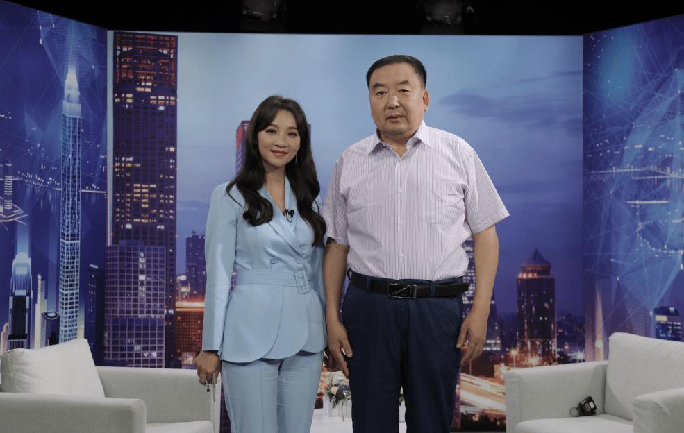 宏运董事长_宏运集团董事长照片