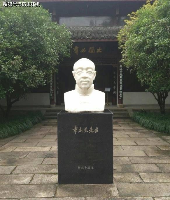 """""""上海皇帝""""有多狂?日军攻打我军,杜月笙:我两个小时毁灭租界"""
