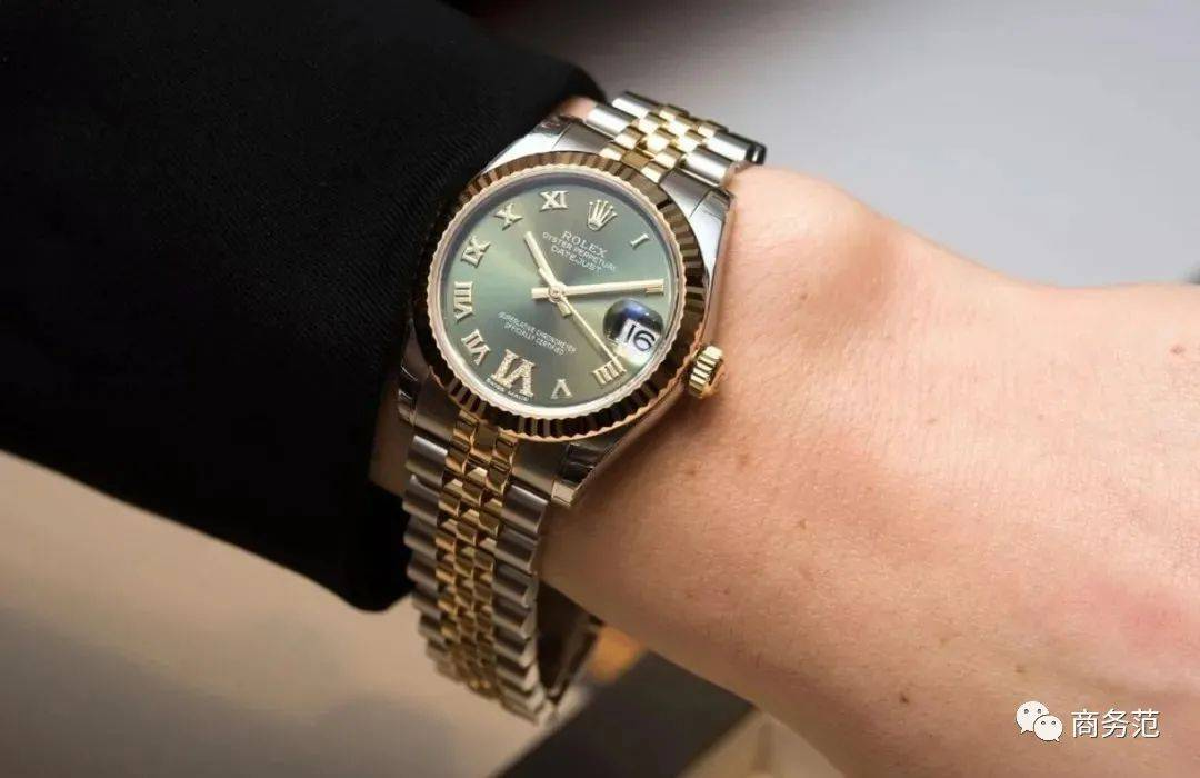 30岁女人戴什么表,实用又有档次?