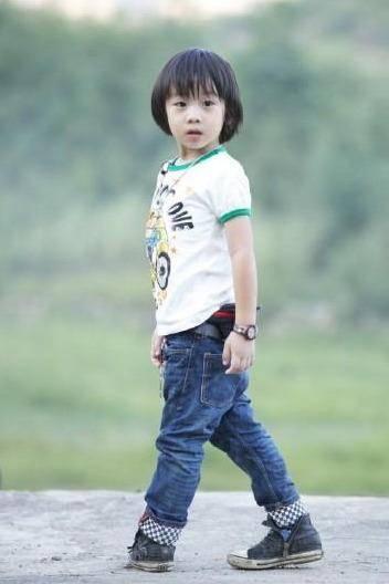 kimi在综艺节目罕见露面,近照变胖神似费曼,7年都没换发型
