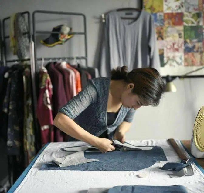 廉价快时尚还是昂贵慢时尚?可持续时尚的未来在哪儿?